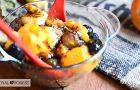 Фруктовый десерт с семенами чиа